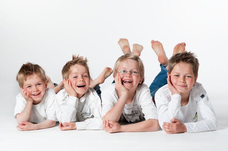 Gezin Met Vier Geweldige Leuke Jongens